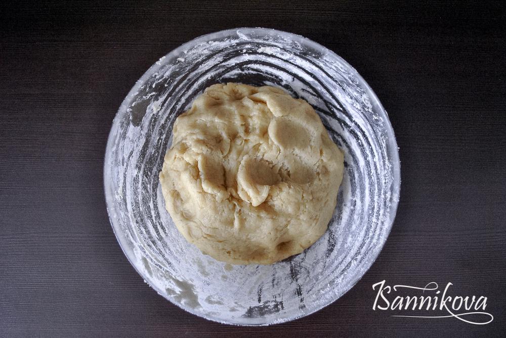 Замешиваем тесто на торт Муравейник