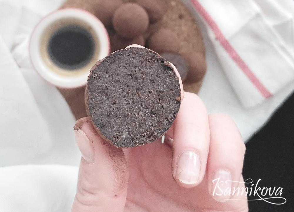 Разрез бисквитного трюфеля