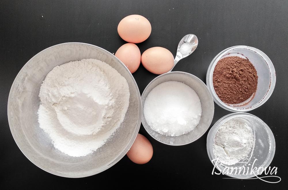 Ингредиенты для шоколадного бисквита в мультиварке