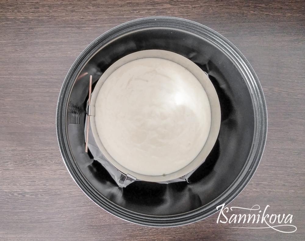 Ставим бисквит в духовку