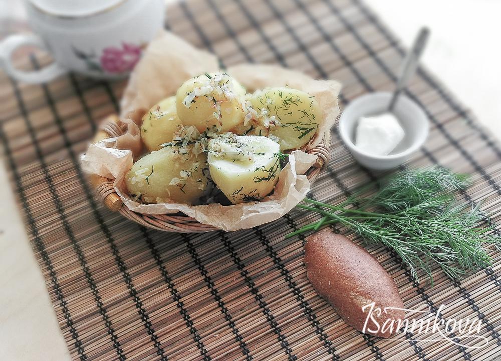 Наш отварной картофель с репчатым луком готов