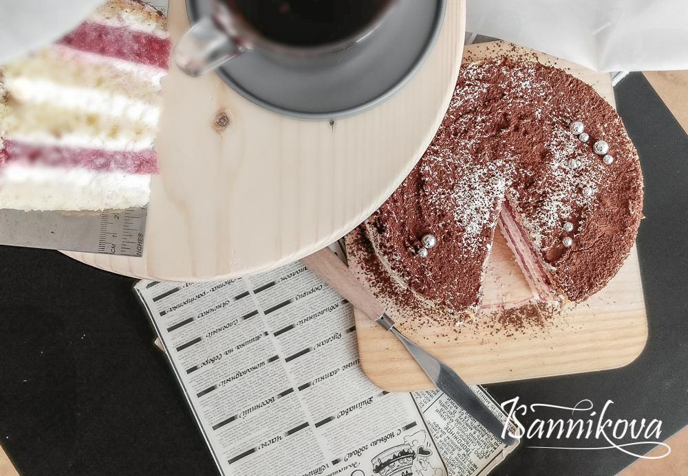 Торт присыпаем какао - порошком