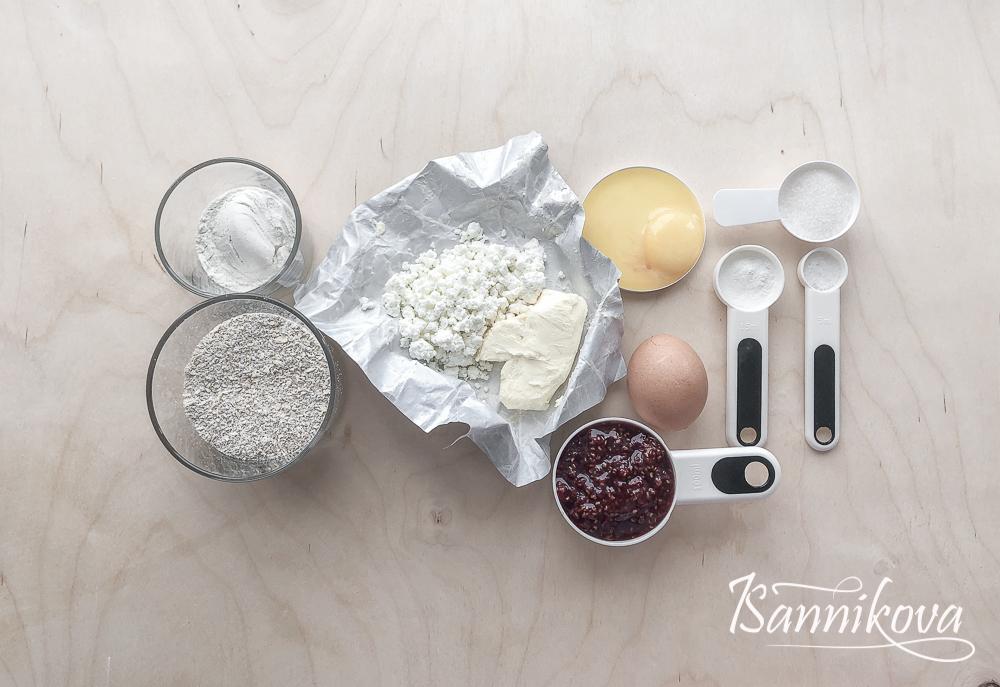 Список ингредиентов для творожного пирога с джемом на овсяной муке