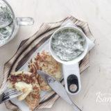 Огуречный соус на йогурте готов